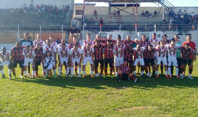 Jogo festivo de ex-atletas do Serra, no Estádio Robertão (Foto: Wagner Chaló/GloboEsporte.com)