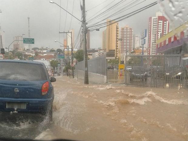 Chuva em Sorocaba (Foto: Alessandra Oliveira/TEM Você)