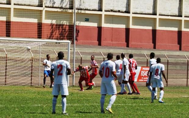 Sharley marcou o gol da vitória do Novo Esporte (Foto: Renato Gonçalves / Assessoria Novo Esporte)