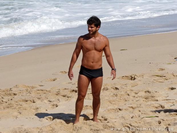 Duda Nagle mostra corpão na praia da zona Oeste (Foto: Salve Jorge/TV Globo)