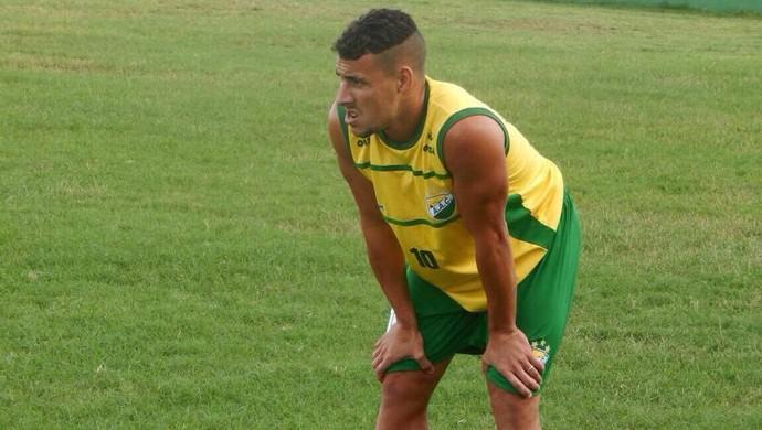 Paulo Vítor, lateral-esquerdo do Coruripe (Foto: Divulgação)
