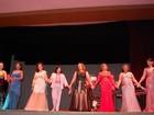 Mulheres vencem câncer de mama e fazem desfile em Campina Grande