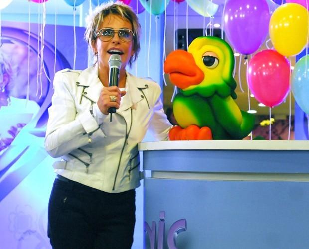 Ana Maria, ao lado de Louro José, comemora 11 anos de Mais Você (Foto: Zé Paulo Cardeal / TV Globo)
