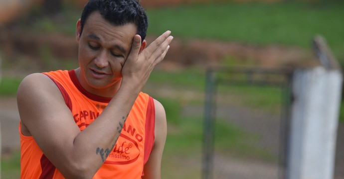 Silas atacante Capivariano (Foto: Heitor Esmeriz)