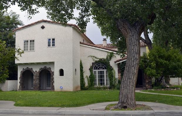 Casa onde vivia o personagem Jesse Pinkman na série 'Breaking bad' é colocada à venda por US$ 1,6 milhão (Foto: Russell Contreras/AP)