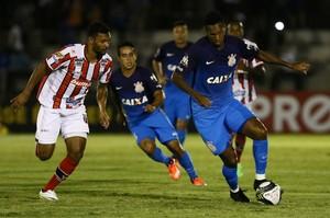 Jô Botafogo-SP x Corinthians (Foto: Célio Messias/Estadão Conteúdo)