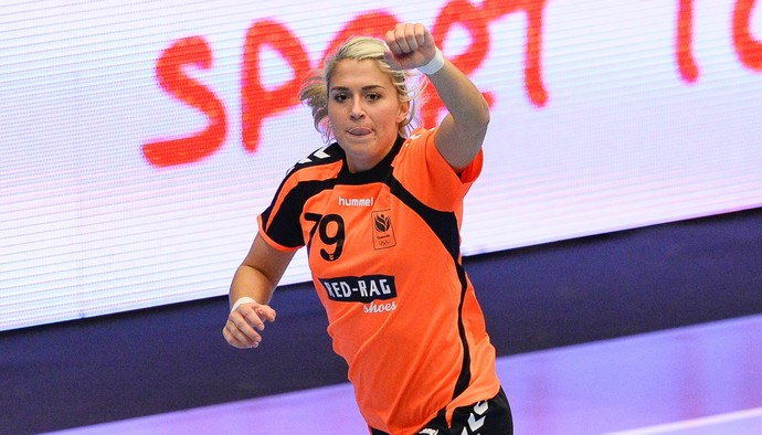 Estavana Polman comemora pela Holanda no Mundial de handebol (Foto: AFP PHOTO / JONATHAN NACKSTRAND )