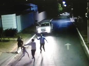 Imagem mostra briga com taco de beisebol em Cuiabá (Foto: Arquivo pessoal)