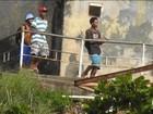 Imagens exclusivas mostram menores armados em morros do RJ