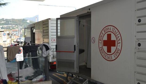 Cruz Vermelha mantém postos médicos próximo aos acampamentos (Foto: Carolina Montenegro/BBC)