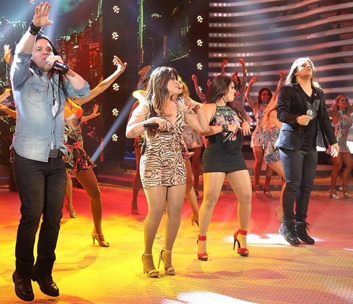 Grupo cantou músicas animadas (Foto: Carol Caminha/Gshow)