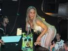 Valesca Popozuda usa macacão transparente em show em Londres