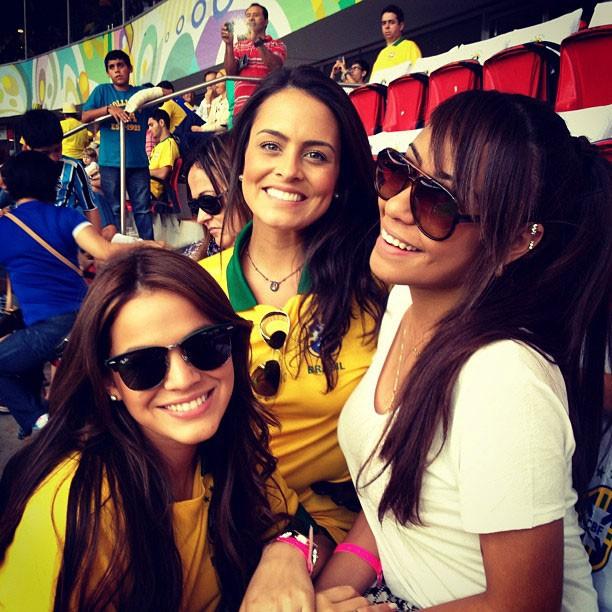 Bruna Marquezine, Marcela Gomes e a irmã de Neymar, Rafaella Santos (Foto: Reprodução/Instagram)