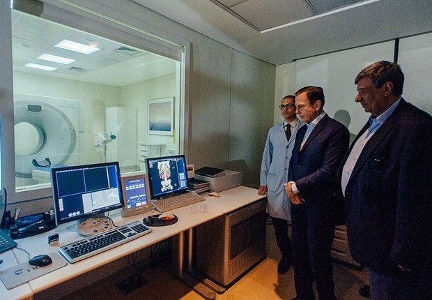 O prefeito João Doria (PSDB) visita hospital que faz parte do programa Corujão da Saúde em São Paulo (Foto: Leon Rodrigues/SECOM)