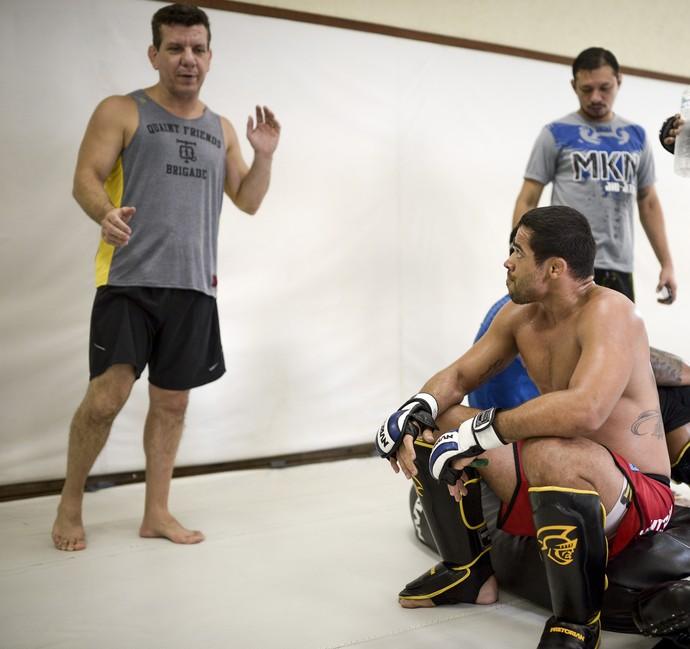 Renan Barão - Dedé Pederneiras - UFC (Foto: Divulgação/UFC/Inovafoto)