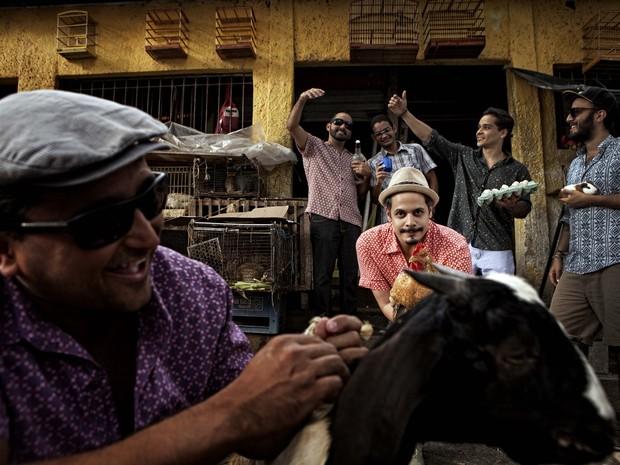 Banda 'Fim de Feira' se apresenta em Caruaru neste sábado (17) (Foto: Beto Figueroa/Assessoria)