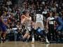 Depois de início lento, Spurs crescem e batem Hornets com brilho de calouro