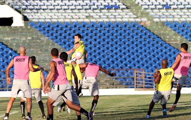 Treino do Treze no Estádio Amigão (Foto: Leonardo Silva / Jornal da Paraíba)