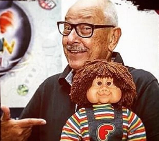 Orival Pessini e o boneco de Fofão (Foto: Reprodução/Instagram)
