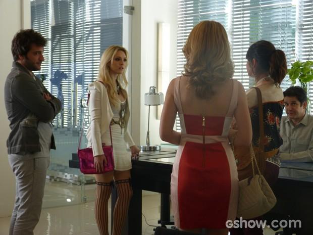 Megan descobre que Davi não vai para Califórnia e fica irritada (Foto: Geração Brasil/TV Globo)