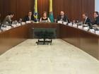 Dilma reúne no Planalto juristas contrário ao impeachment e ministros