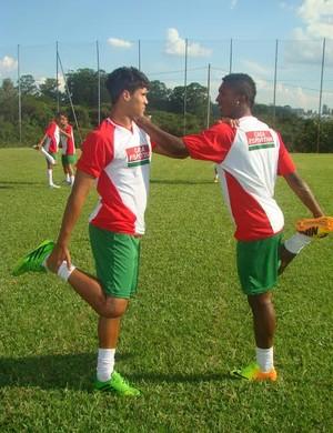 Klysman e Balotelli, jogadores do Fluminense de Feira de Santana (Foto: Sidnei Campos / Assessoria Fluminense-BA)