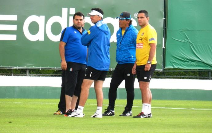 Treino do Once Caldas no CT do Palmeiras (Foto: Leonardo Lourenço)