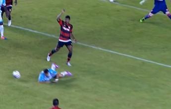 Furada contra Flamengo leva enquete de lance bizarro do meio de semana