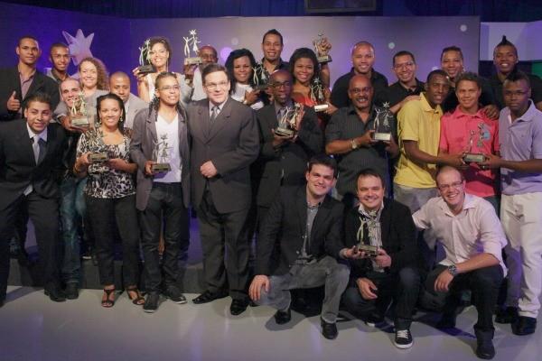 Vencedores do Troféu Personagens da Folia comemoraram em coquetel na RBS TV (Foto: Rafael Marconatto/ Divulgação)