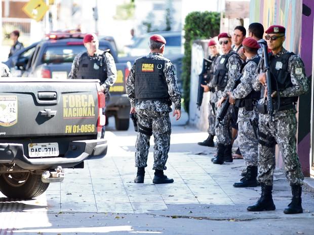 Força Nacional em Vitória (Foto: Fernando Madeira/ A Gazeta)