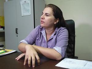 Larizza Lopes é a atual diretora da antiga Casa de Saúde Dix-Sept Rosado, em Mossoró (Foto: Felipe Gibson/G1)