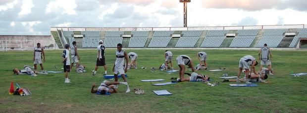 Treino do Botafogo-PB no Almeidão (Foto: Lucas Barros / Globoesporte.com/pb)