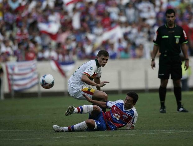 Fortaleza e Sampaio Corrêa empatam em jogo emocionante na Arena Castelão (Foto: Kid Júnior/Agência Diário)