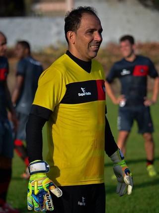 Rodrigo Ramos, goleiro do Moto Club, treinando no CT Pereira dos Santos (Foto: Weliandrei Campelo / Divulgação)