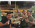 Craques reunidos: Falcão e Deco se encontram em jantar no Brasil