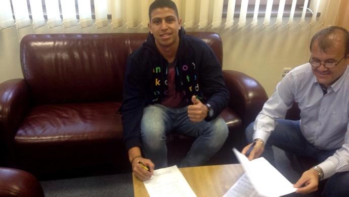 Volante acreano Lucas Ewen assina contrato com time da Hungria (Foto: Arquivo pessoal)