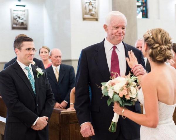 Casamento nos EUA tem homenagem ao pai da noiva, morto há dez anos (Foto: Reprodução/Facebook)