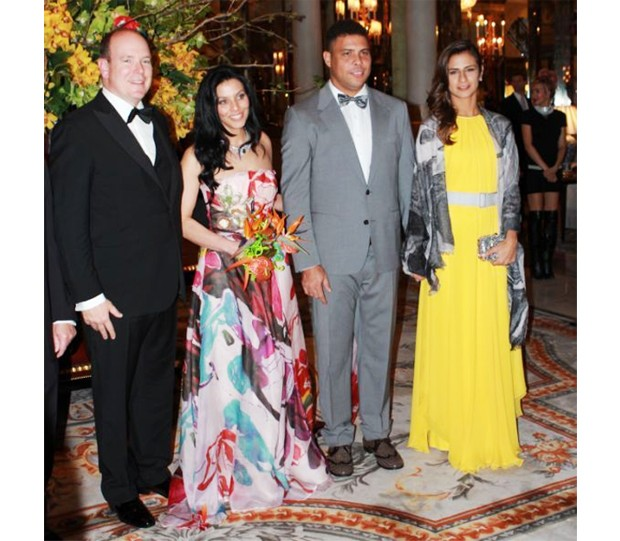 Prince Albert II, Luciana de Montigny (Presidente e Fundadora, Brasil Monaco Project), Ronaldo e Paula Morais (Foto: Marie-Laure Briane)
