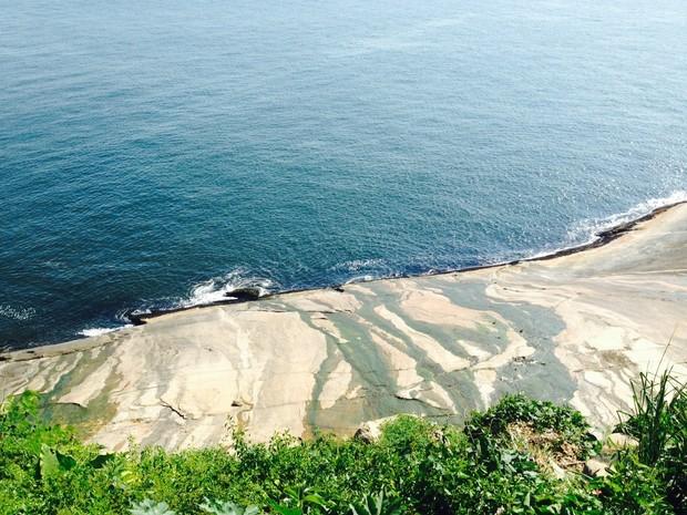 Pequeno vazamento foi registrado durante a tarde desta quinta (Foto: Lívia Torres/G1)