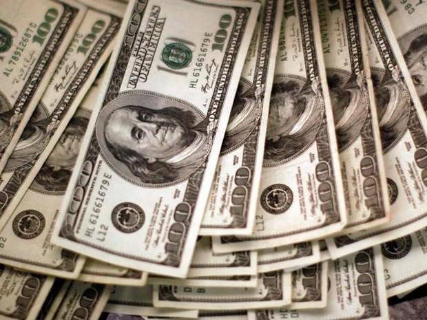 Foto de arquivo mostra notas de dólar em Westminster, Colorado (Foto: Reuters/Rick Wilking)