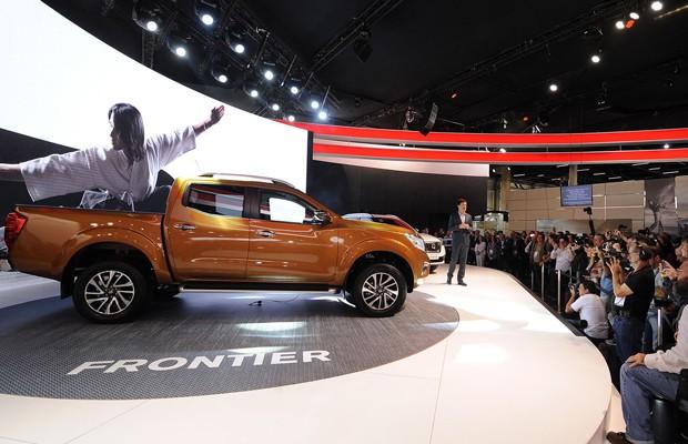 Nissan Frontier no Salão de SP 2016 (Foto: Alan Morici/G1)