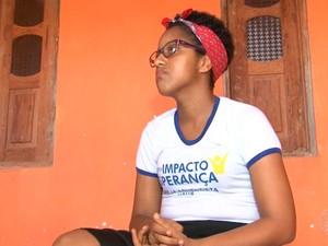 Estudante Kleyanne Pereira, de 25 anos, luta contra câncer de mama (Foto: Reprodução/TV Bahia)
