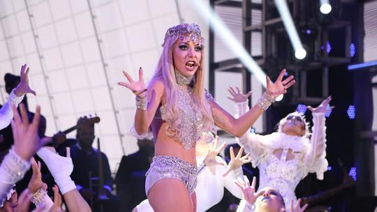 'Show dos Famosos': Luiza Possi lacra como Lady Gaga e ganha primeiro 10 da competição