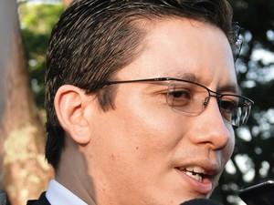 22.nov.2012 - Promotor Henry Wagner fala à imprensa na saída do interrogatório de Fernanda Gomes de Castro (Foto: Cristina Moreno de Castro/G1)