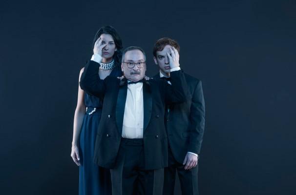 Luiz Damasceno, Giovani Tozi e Guta Ruiz estrelam o espetáculo (Foto: Priscila Prade)