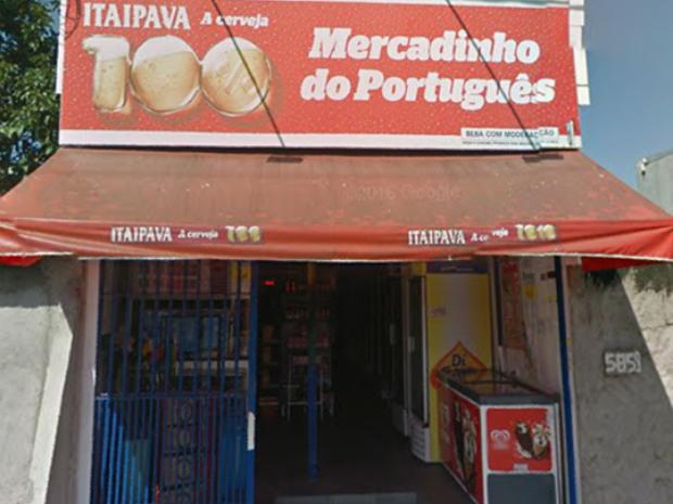 Homem foi encontrado com ferimentos na cabeça em frente ao seu comércio, em Praia Grande, SP (Foto: Reprodução/Google)