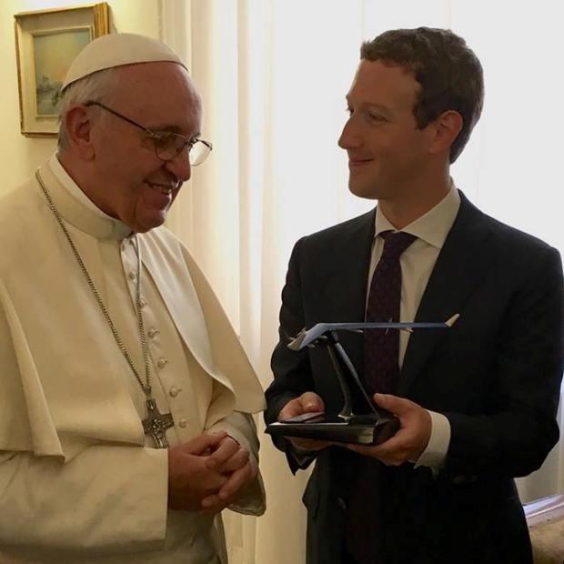 Mark Zuckerberg e Papa Francisco (Foto: Reprodução/Facebook)