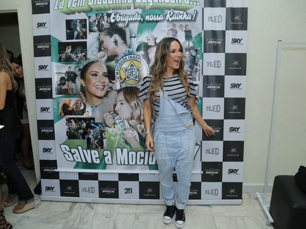 Claudia Leitte em ensaio da Mocidade na Zona Sul do Rio (Foto: Marcello Sá Barretto e Alex Palarea/ Ag. News)
