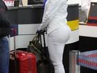 Calça branca marca o popozão de Gracyanne Barbosa