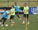 Concorrência joga até 12 vezes mais, e Renato Augusto tenta ficar na equipe
